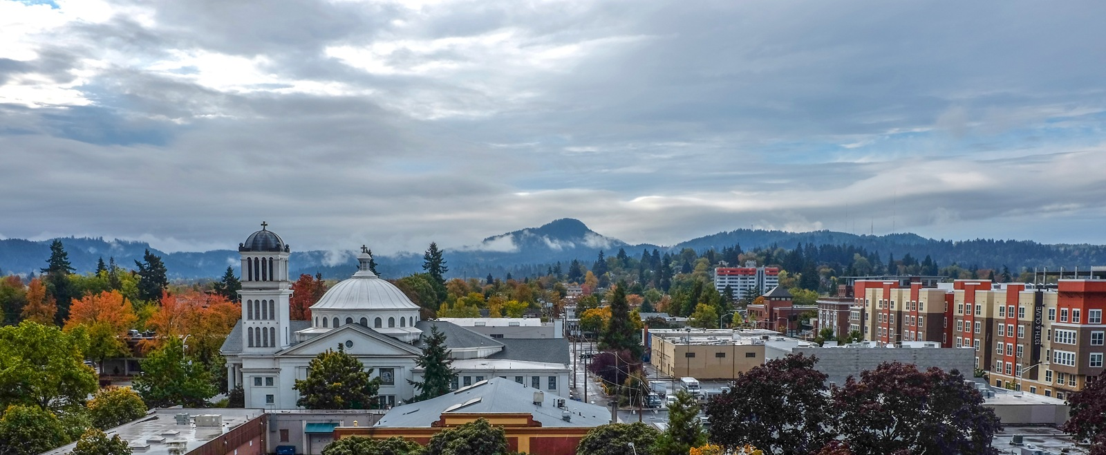 Cityscape of downtown Eugene, Oregon, hometown of Palo Alto Software.
